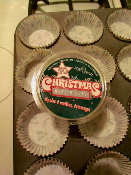 Holly Muffin Tins