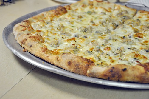 Zuppardi's White Clam Pie