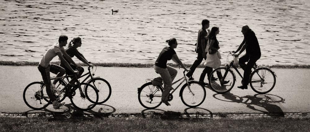 Wisla, ludzie i rowery © 2011 Alex Nedoviziy