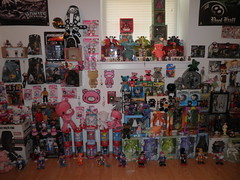 vaultroom (11 clowns) 1 (mikaplexus) Tags: bear favorite hk cats elephant animal animals cat toy toys handmade hellokitty clown bears mint kitty gratefuldead plush kidrobot wicked handpainted kitties morichack gloomybear vault elephants clowns kozik mib arttoy toyroom doctora plushes arttoys toy2r sket sketone unopened marka27 gloomybears gratefuldeadbears gratefuldeadbear ireallylike mintinbox sket1 drbomb minigod vaultroom