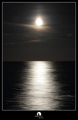 Sailing the moonlight (Juan Juanatey) Tags: sail nocturna moonlight navegar luzdeluna abstraccin