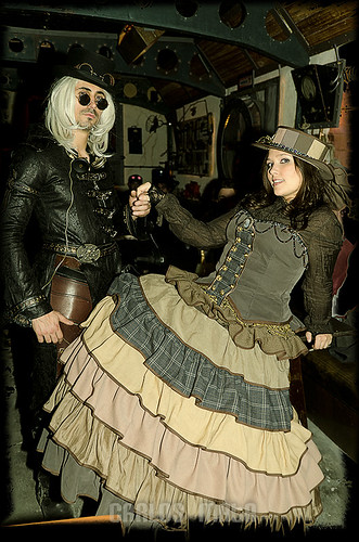 II Nit Retrofuturista / Steampunk Spanish Convention Party!