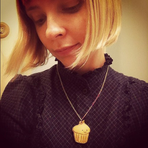 Cupcake charm necklace.