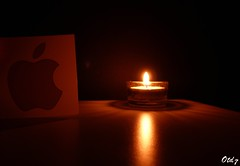 A genius forever... (Otd 7 // Photography) Tags: boss light usa reflection luz apple dark logo macintosh mac candle darkness you jobs lumire rip steve thank tribute genius hommage creator patron unis pomme obscurit bougie crateur etats isad cofouder