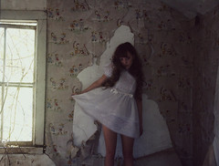 (yyellowbird) Tags: wallpaper white house selfportrait abandoned girl dress loli cari