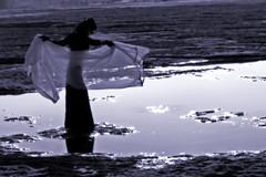 (maxlaurenzi) Tags: black girl strange hat silhouette dark sand fear gothic dreamy nightmare waking reflexes oneiric
