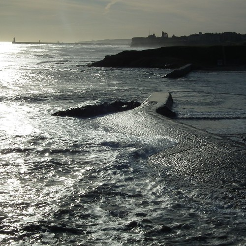 cullercoats to tynemouth by moclaydon