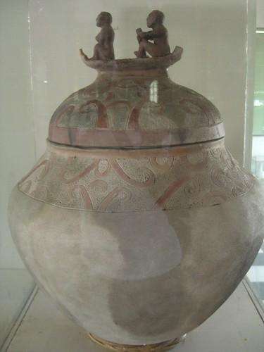 Manunggul Jar Replica photo by James Betia