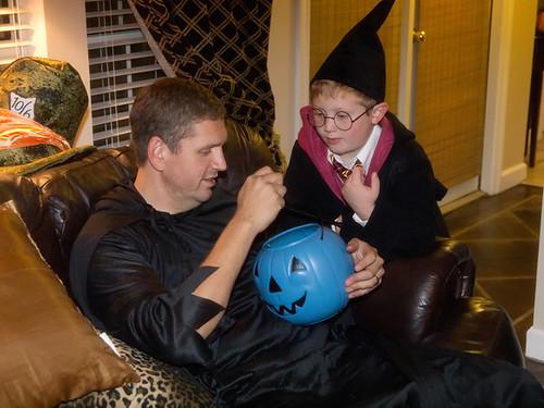 fb 11-10-31 Halloween 2-17a