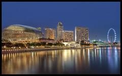 Esplanade - Night (LFC25) Tags: skyline night flyer singapore esplanade merlion mbs marinabaysands