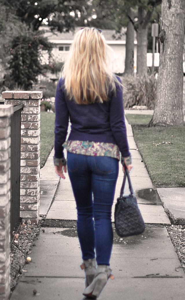 walking away-jeans -butt-butt in jeans-hair