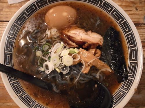 ra111113麺場ハマトラ 日吉店 醤そば 大盛 味玉