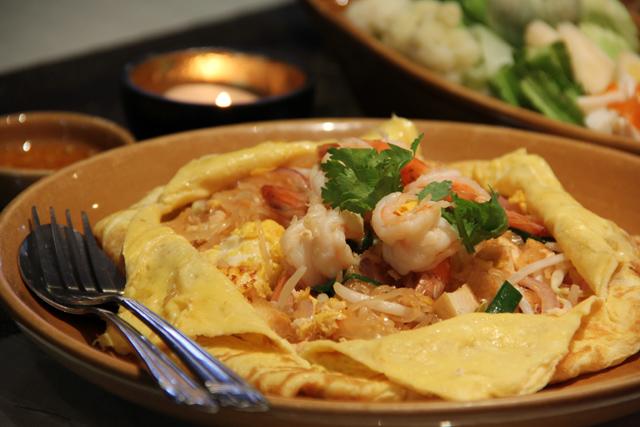 Pad Thai - Thai Room Restaurant