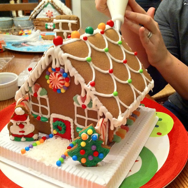 Join In The Diy Gingerbread House Challenge Old Town Home