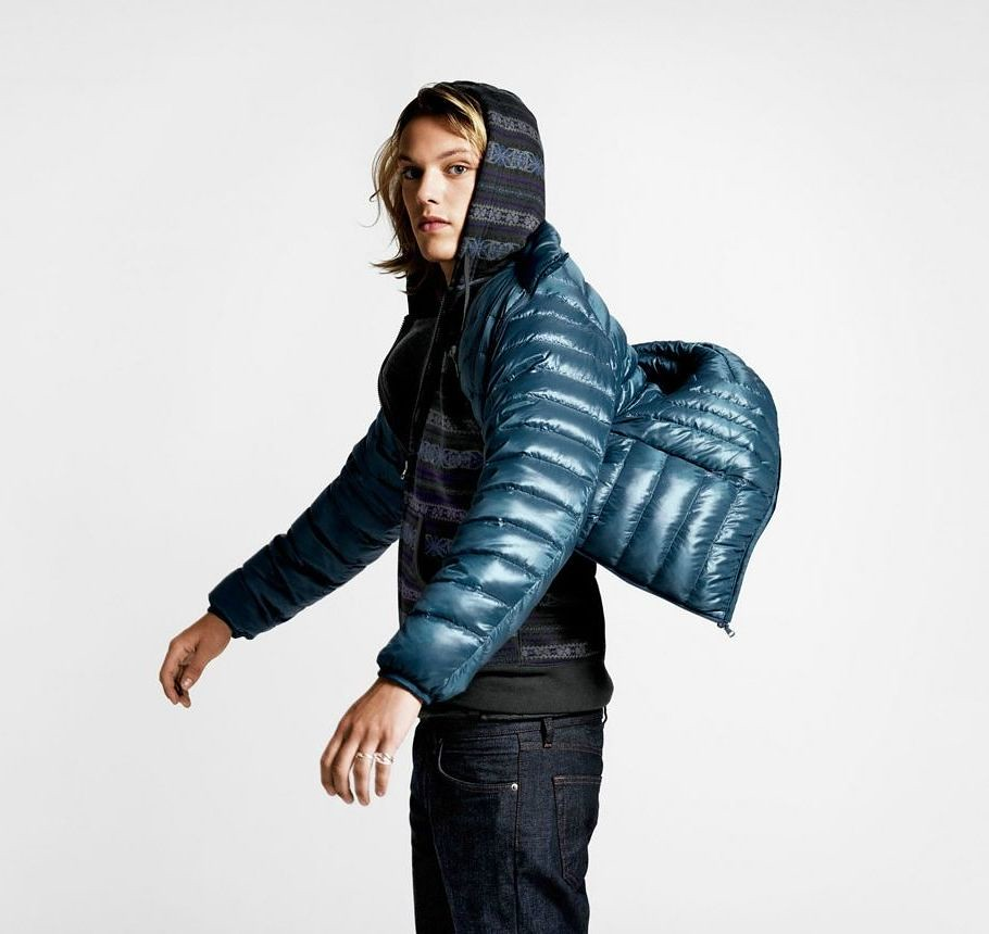 Jamie Campbell Bower0026_UNIQLO AW11