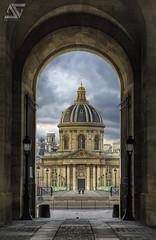 Follow the path (A.G. Photographe) Tags: paris france nikon arts ag pont 28 nikkor 70200 français institut hdr parisian anto 70200mm institutdefrance photographe xiii parisien vrii d700 antoxiii hdr9raw agphotographe