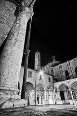 Piazza San Francesco 06 (Promix The One) Tags: bw bn chiesa campanile piazza antico marche biancoenero chiostro colonne notturno archi marmo ascolipiceno medioevale mattoni piazzasanfrancesco canoneos1dsmarkii volte sigma1530f3545exdgasph