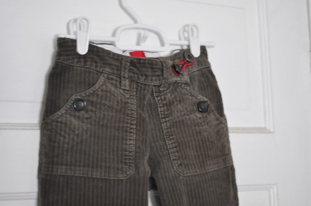 pants detail.