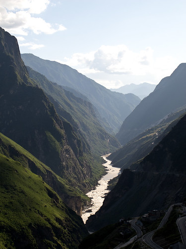 Tiger Leaping Gorge looking west