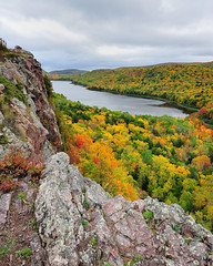 """lake of the Clouds"" Porcupine Mountain Wilderness State Park (Michigan Nut) Tags: statepark autumn sky orange cliff usa mountain lake tree fall nature colors leaves yellow geotagged photography leaf midwest rocks michigan porcupinemountains lakeoftheclouds johnmccormick"