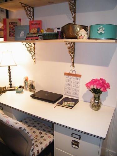 desk 018