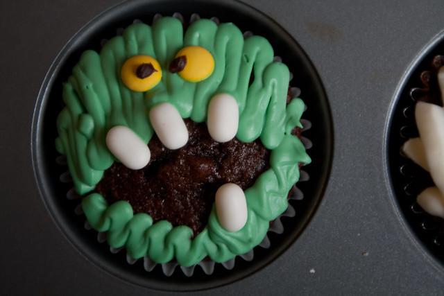 Easy Monster Cupcake