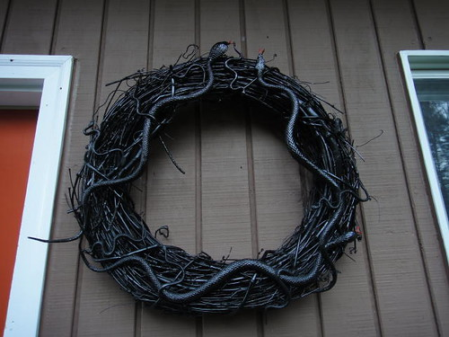 The other snake wreath.