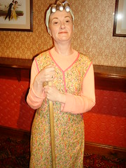 Hilda Ogden (richiiebam) Tags: street madame statue work soap opera return merlin wax cleaner blackpool ogden corrie tussauds coronation hilda waxwork rovers firgue
