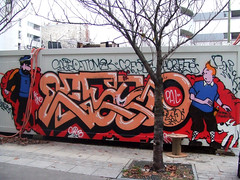 c'est d'actualité ! (lepublicnme) Tags: streetart paris france graffiti december sonic crepe tintin pal esso haddock tomek skub 2010 kuifje keno horfé sonick skube horfée horphé skubb saeyo saeio horphée skubbe palcrew