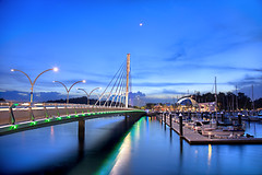 Keppel Bay - Marina Club (Kenny Teo (zoompict)) Tags: bridge cruise blue light sunset sea sky seascape reflection tourism water beautiful night sunrise canon wonderful lens landscape harbor boat photo yahoo google scenery ship photographer waterfront walk wave tourist best leisure kenny luxury marineclub marinaclub richnfamous zoompict kepplebay singaporelowerpiercereservoir kepplebaymarineclub