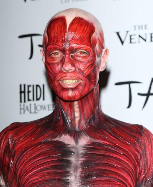 heidi-klum-dead-body-halloween-2011-costume