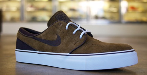 brown janoski