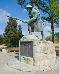 Veterans Day 2011 (bhophotos) Tags: usa statue geotagged nikon memorial memphis tennessee wwi worldwari nikkor veteransday armisticeday overtonpark veteransplaza d700 2470mmf28g bruceoakley