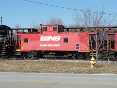 NS_NewHaven-IN_Yard_NS555555_031909-1 (C Telles) Tags: new railroad haven yard train district norfolk indiana caboose southern vision cupola standard fostoria ns555555