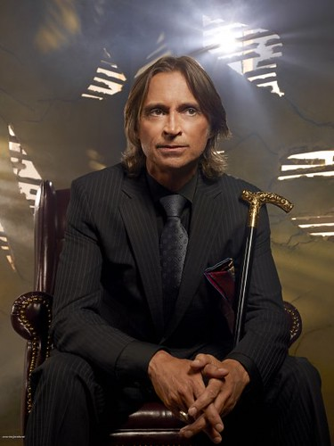 Cast-Promotional-Photo-Robert-Carlyle-as-Rumpelstiltskin-Mr-Gold-once-upon-a-time-25199709-446-595