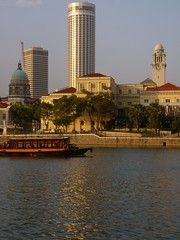 (John 3000) Tags: travel water rio architecture buildings river boat agua singapore asia barco rotunda sg