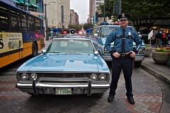 Officer Ritter (Samer Farha) Tags: seattle 1970 plymouthsatellite canonefs1022mmf3545usm owe westlakepark occupyseattle