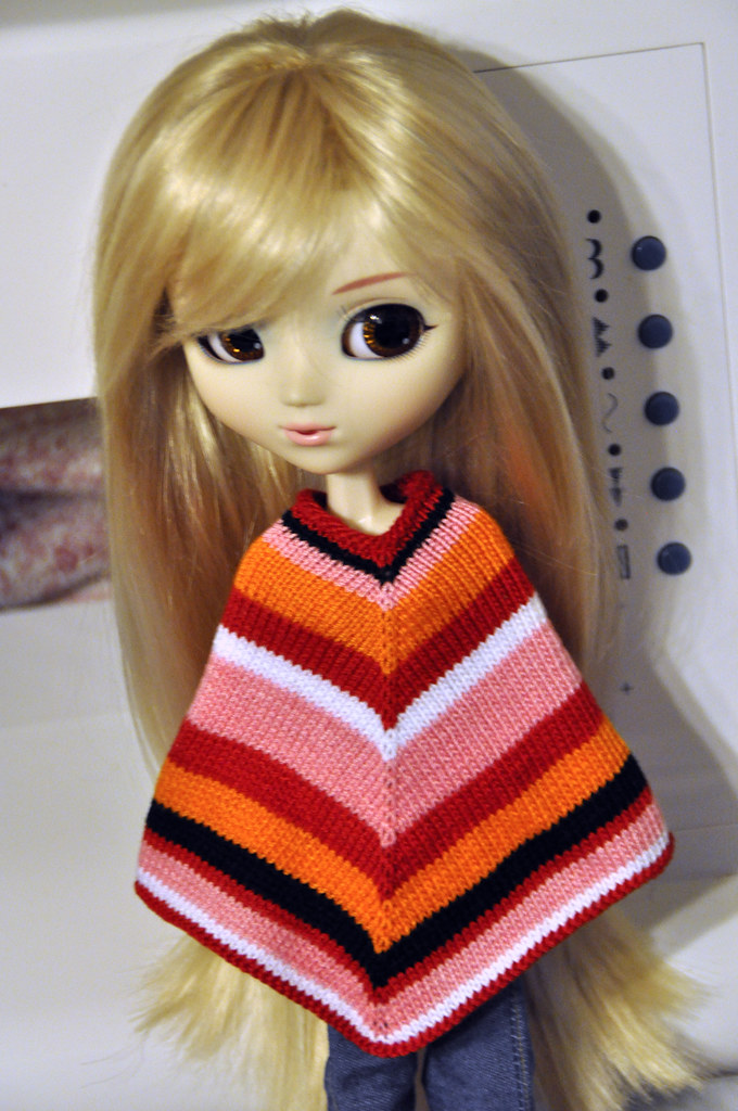 Knitting Pattern For Dolls Poncho : Nemata pannumque cano: Knitting Pattern: Stitch & Bitch ...