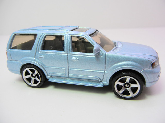 matchbox lincoln navigator blue  (3)