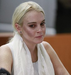 Linsay Lohan in manette ed in lacrime!(19 ottobre Los Angeles) (Gossip in Pillole) Tags: lindsaylohan handcuffed arrestata inmanette