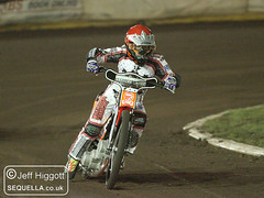Nathan Greaves (Jeff Higgott (Sequella.co.uk)) Tags: suffolk october stadium racing motorbike motorcycle oval ipswich motorsport speedway foxhall methanol 2011 250cc img0128