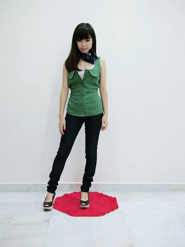 100_Warm Green Peter Pan Collar Top