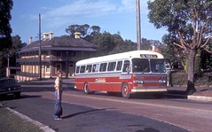 Hunters Hill Bus Company REO 4576 in Mount Street between Alexandra and Church Streets, Hunters Hill, Sydney, N.S.W. Australia. (express000) Tags: australia reo huntershill sydneyaustralia petrolengine busesinaustralia australianbuses reobus unitedstateschassis huntershillbusco sydwoodbody