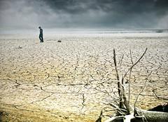 Tiempos difíciles / Hard times (Inmacor) Tags: landscape tristeza agua paisaje pantano land desierto soledad cielos niño melancolía sequía tierra abigfave ltytr2 ltytr1 ltytr3 inmacor blinkagain