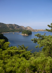 Lagoon Samil Lake - North Korea (Eric Lafforgue) Tags: lake landscape war asia korea asie coree northkorea 0024 dprk coreadelnorte natire nordkorea    coreadelnord   insidenorthkorea  rpdc  kimjongun coreiadonorte