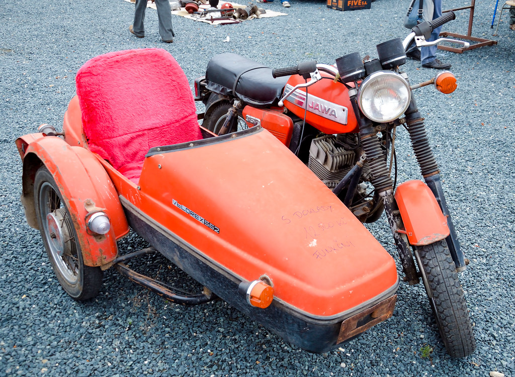also Vyrn in addition Jawa Tr as well Vyrn Img together with E E B. on jawa velorex 562 sidecar