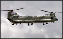 Chinook Limo (Barney - Ian B) Tags: chinook raf fairford riat