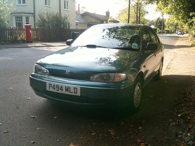 auto old green car 1996 surrey parked rare accent gls hyunai p494mld