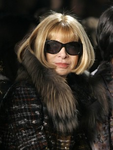 99494_anna-wintour-at-ny-fashion-week-feb-2009