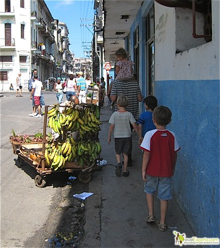 6307428678 7fe9130a77 Daily Life and People of Havana, Cuba   Photo Essay